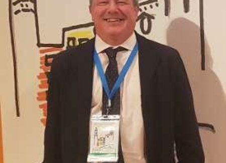 Manuel Naves, del HUCA, presidente de la sociedad de investigación ósea